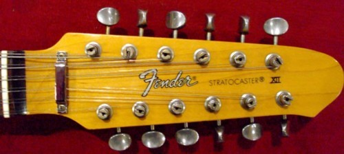 Fender Telecaster Addicts - Page 2 FenderStrat12Cordes%281%29e